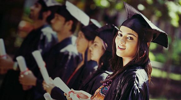 Easy Scholarships for College Students