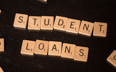 How Is a Student Loan Different From a Scholarship? – Learn the Basics